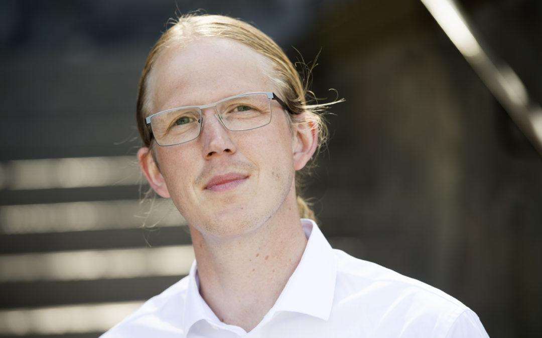 Idag grundar Carl-Magnus Falk Excelmodeller.se